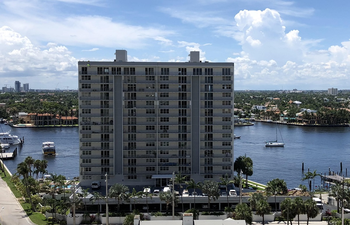 condo high rise in Fort Lauderdale Florida